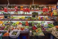Spansk speceriaffär - Barcelona - Spanien royaltyfria bilder