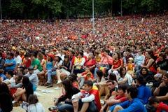 Spanska fans under den FIFA fotbollvärldscupen royaltyfria bilder