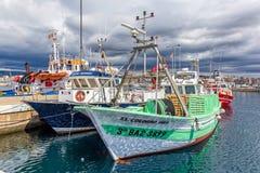Spanska fisherfartyg i port Palamos, 19 Maj 2017, Spanien Arkivbilder