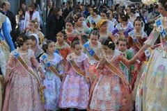 Spanska kvinnor och flickor i Valencia, Spanien Arkivfoton
