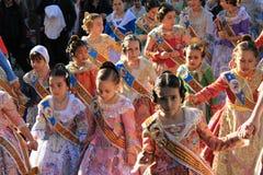Spanska kvinnor och flickor i Valencia, Spanien Arkivbild
