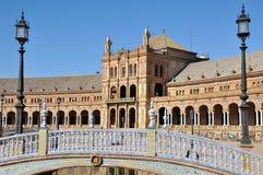 Överbrygga av Plaza de Espana i Seville, Spanien Arkivbild