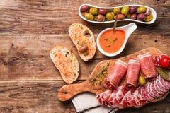 Spanska tapas och sangria Arkivbild