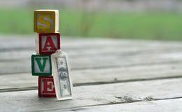 Spara, investera, och reträttsignalbegreppet arkivfoto