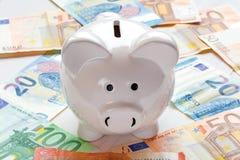 Spara pengar för investering arkivbilder