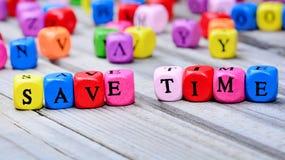 Spara tidord på tabellen fotografering för bildbyråer