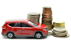 Sparande pengar för ett bilbegrepp Arkivfoton
