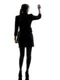 Sparar hållande mappar för affärskvinnahandstil silhouetten Royaltyfri Bild