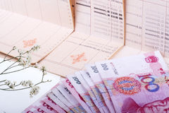 Sparbuch und RMB. Lizenzfreies Stockbild