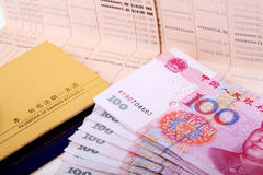 Sparbuch und RMB. Stockbilder