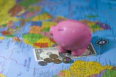 Sparen geld Royalty-vrije Stock Foto's