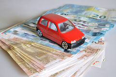 Sparen geld en investeer royalty-vrije stock afbeeldingen