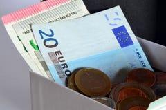 Sparen geld en investeer royalty-vrije stock afbeelding