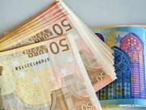 Sparen geld en investeer royalty-vrije stock foto