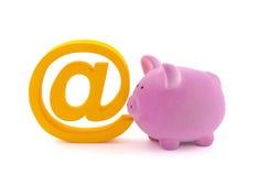 Spargris med emailsymbol Arkivbilder