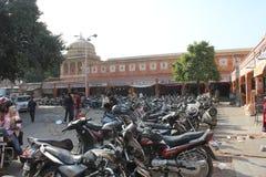 Sparkcykel som parkeras i Jaipur Royaltyfri Bild