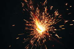 Sparkler σε ένα σκοτεινό υπόβαθρο Στοκ Φωτογραφία