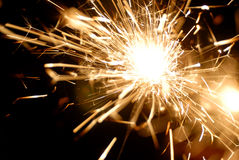 Sparkler στο σκοτάδι Στοκ φωτογραφία με δικαίωμα ελεύθερης χρήσης