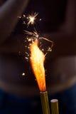 Sparkler ardiente Fotos de archivo libres de regalías
