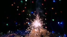 sparkler Celebración de la Navidad El Año Nuevo enciende el flash almacen de metraje de vídeo