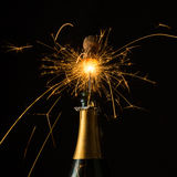 Sparkling champagne popping Royalty Free Stock Photography