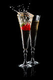 sparkling jordgubbewine för exponeringsglas Arkivfoto