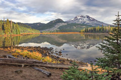 Sparks Lake in Oregon stock photography