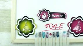 Sparrenstickers en de manicure van de de winterstijl stock videobeelden