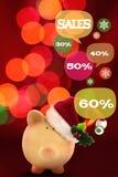 Sparschwein mit Spracheblasen Glückliches Einkaufenmädchen auf weißem Hintergrund Lizenzfreies Stockfoto