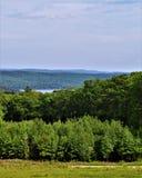 Spartiacque del bacino idrico di Quabbin, regione rapida di Quabbin River Valley di Massachusetts, Stati Uniti, Stati Uniti, immagini stock libere da diritti