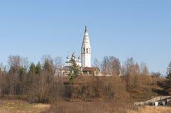 Spaso-Preobrazhensky大教堂的看法大教堂小山的, 11月天 Sudislavl 免版税库存图片