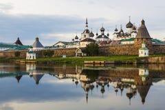 Spaso-Preobrazhensky το μοναστήρι Solovetsky Stavropegial στο νησί Bolshoi Solovetsky στην άσπρη θάλασσα arkhangelsk syuzma της Ρ Στοκ Εικόνες