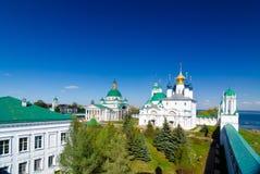Spaso-Yakovlevsky kloster och Zachatievsky domkyrka i Rostov, Yaroslavl oblast, Ryssland Arkivbild