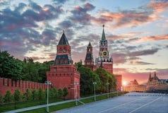 Spasskaya et d'autres tours de Moscou Kremlin Photo libre de droits