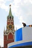 Spasskaya (frälsare) klockatorn, röd fyrkant, Moskva. Royaltyfri Bild