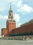 Spasskayatoren en de muur van het Kremlin in Moskou Royalty-vrije Stock Afbeeldingen