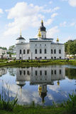 Spasso-Elizarovsky女修道院的俄罗斯正教会 免版税图库摄影