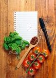 Spatie gevoerd document met het koken van ingrediënten Royalty-vrije Stock Foto's