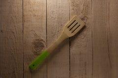 Spatule sur le fond en bois Image libre de droits