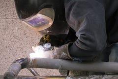 Spawacz spawek drymby dla benzynowej instalaci Zdjęcia Royalty Free