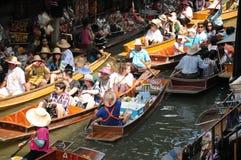 Spławowy rynek, Damnoen Saduak, Tajlandia Zdjęcia Royalty Free