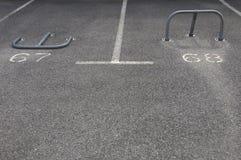 Spazi di parcheggio con le barriere Fotografia Stock Libera da Diritti