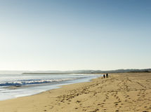 Spaziergang auf dem Strand Lizenzfreie Stockfotos