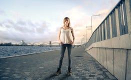 Spaziergang entlang dem Hafen Lizenzfreies Stockbild