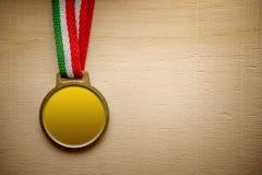 Spazio in bianco della medaglia d'oro Fotografie Stock Libere da Diritti