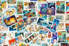 Spazio cosmico dell'universo di manifestazioni stampato bolli Immagini Stock Libere da Diritti