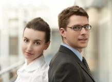 Spazio di ufficio delle persone di affari delle coppie Immagini Stock Libere da Diritti