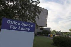 Spazio di ufficio per il segno del contratto d'affitto Immagini Stock Libere da Diritti