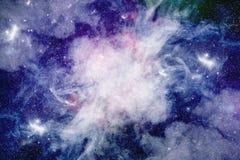 Spazio stellato, nebulosa nello spazio, fondo, spazio blu profondo Immagini Stock