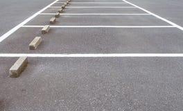 Spazio vuoto al parcheggio dell'automobile immagini stock